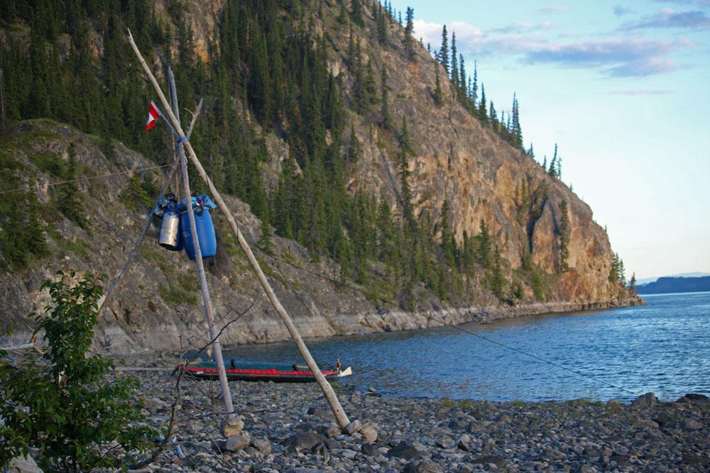 Dreibein-Dusche am Yukon.
